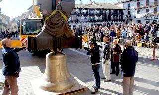 Las campanas levantaron una amplia expectación entre los tarazoneros. - Autor: RUIPÉREZ, Pedro