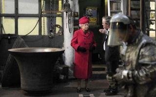 The Queen visits Whitechapel Bell Foundry in 2009 - Autor: WIRE, Pa